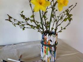 Blomstervase - metaldåse og papir