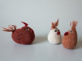 Strikkede filtede kyllinger