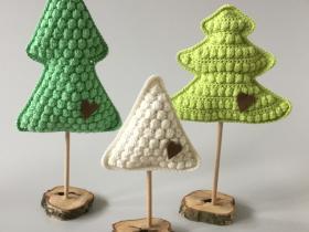 haeklede juletraer - groent med to takker